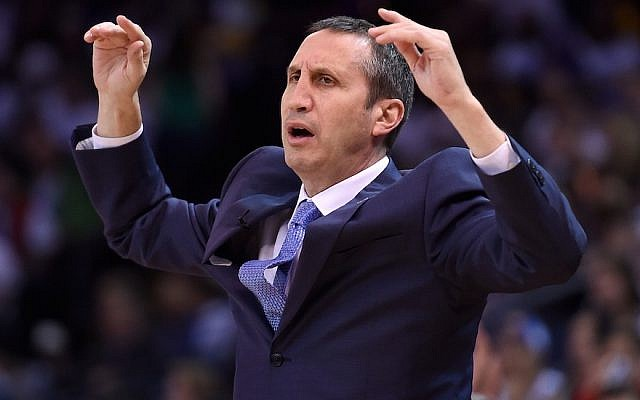 David Blatt, former coach of the Cleveland Cavaliers, reacting to a call in a game against the Golden State Warriors in Oakland, Calif., Dec. 25, 2015. (Photo by Thearon W. Henderson/Getty Images)