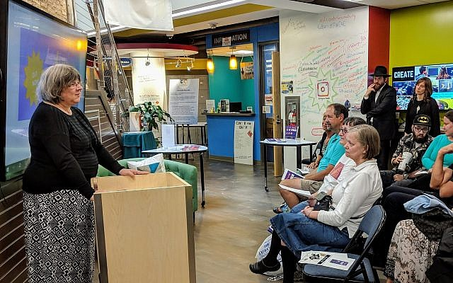 Tova Feinman tells a local group about her experiences with depression. (Photo courtesy of Tova Feinman)