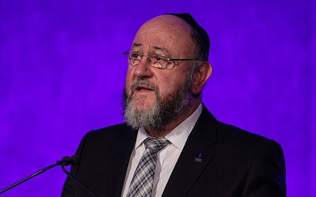 "U.K. Chief Rabbi Ephraim Mirvis wrote how LGBT students experience ""feelings of deep isolation, loneliness and a sense that they can never be themselves."" (Photo by Jack Taylor/Getty Images)"