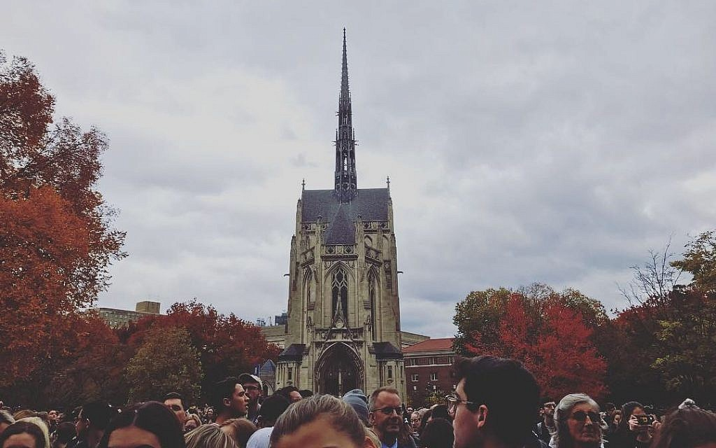 Students unite at the University of Pittsburgh one week after the Tree of Life attack. Photo by Carolyn Brodie