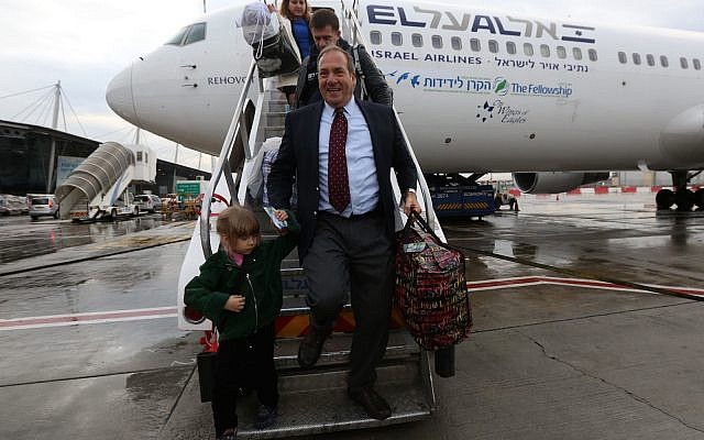 Rabbi Yechiel Eckstein arrives in Israel with the first group of immigrants brought by the International Fellowship of Christians and Jews in 2014.   (Photo courtesy of International Fellowship of Christians and Jews)