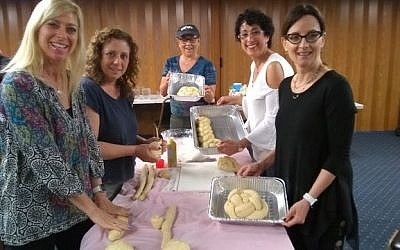 Squirrel Hill women baked shlissel challah for the first Shabbat after Passover. Photo courtesy of Chani Altein