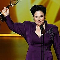 LOS ANGELES, CALIFORNIA - SEPTEMBER 22: (EDITORS NOTE: This image is a retransmission)  Alex Borstein accepts the Outstanding Supporting Actress in a Comedy Series award for 'The Marvelous Mrs. Maisel' onstage during the 71st Emmy Awards on September 22, 2019 in Los Angeles, California. (Photo by Kevin Winter/Getty Images)