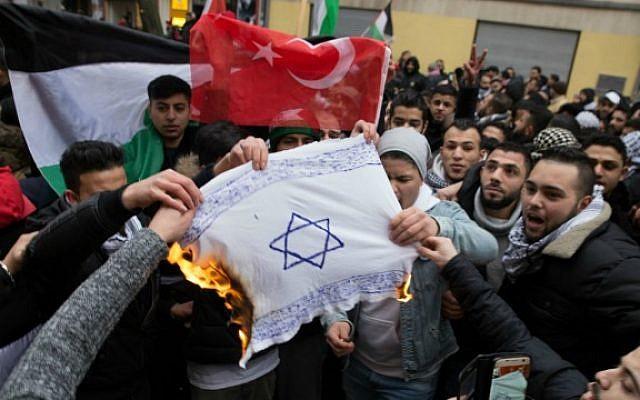 burning-israeli-flag-germany