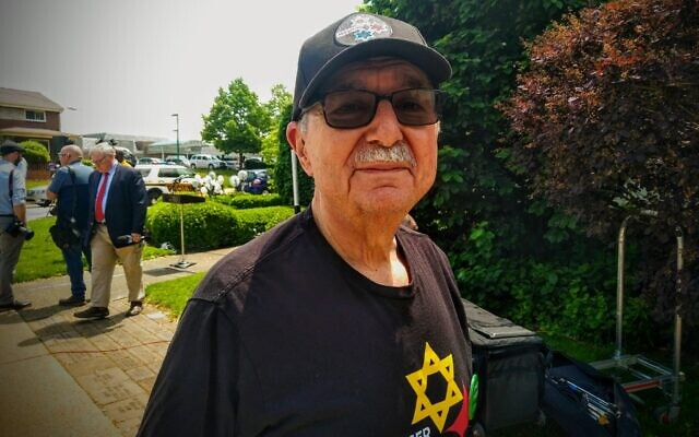 Barry Werber outside the Tree of Life building on May 9, 2019. Photo by Adam Reinherz