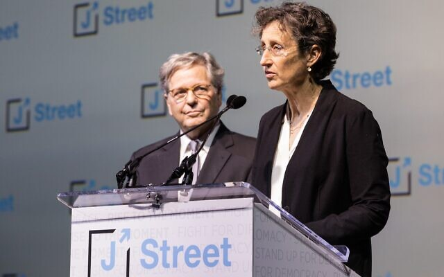 Rabbi John Rosove and Nancy Bernstein at J Street conference in Washington, D.C. (Photo provided by Nancy Bernstein)