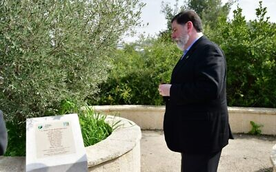 Since the Oct. 27, 2018 shooting, Mayor Bill Peduto has memorialized those lost, including during last year's visit to Israel. Photo by Rafi Ben Hakun, KKL-JNF