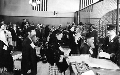 UNSPECIFIED - OCTOBER 27:  Jewish immigrants arriving at immigration office in Ellis Island in New York c. 1910  (Photo by Apic/Getty Images)