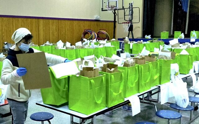 Yeshiva Schools of Pittsburgh is providing hundreds of free kosher meals during the pandemic. (Photo provided by Chezky Rosenfeld)