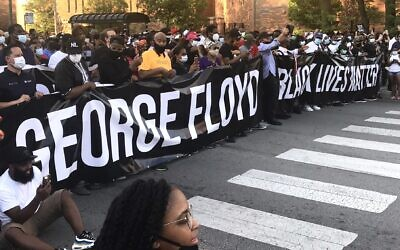 Marchers at the front of an interfaith demonstration in Chicago remembering George Floyd and protesting systemic racism, June 2, 2020. (Courtesy of Ari Hart)
