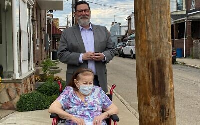 Mayor Bill Peduto and Irene Rosner gather near the Gene Rosner Corner on August 18. Photo by Jeannine Clay