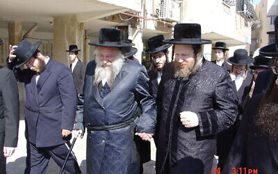 Grand Rebbe of the Nadvorna dynasty Reb Shmuel Shmelke Leifer of Chust (USA) and Reb Mordechai Yissachar Ber Leifer of Pittsburgh (Ashdod) (Photo domain pubic from Wikimedia)