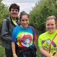 Jeremy Elias, left, Sarah Berlin and Imogen Snowdon enjoy a Friendship Circle Pittsburgh program. Photo courtesy of Friendship Circle Pittsburgh