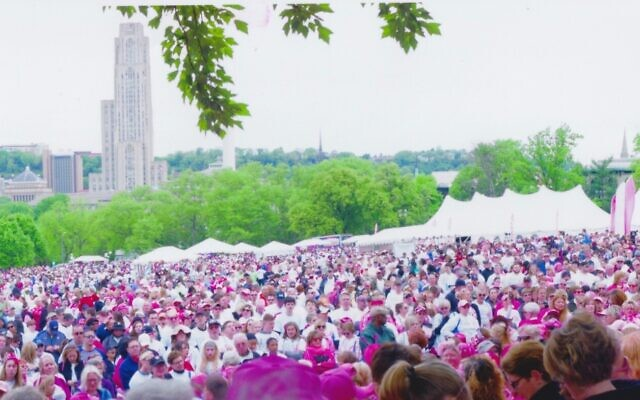 Pittsburgh's 2002 Race for the Cure had 38,000 participants. (Photo by Stanley Winikoff)