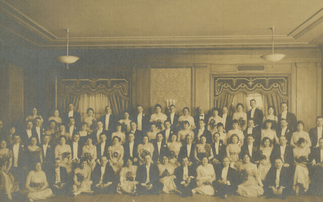 The Duodecim Club at the William Penn Hotel in 1916. Photo provided by the Rauh Jewish History Program & Archives.