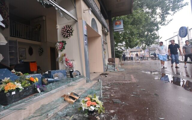 In the Paris suburb of Sarcelles, pro-Palestinian rioters broke shop windows and set fires on July 20, 2014. (Photo by Cnaan Liphshiz)