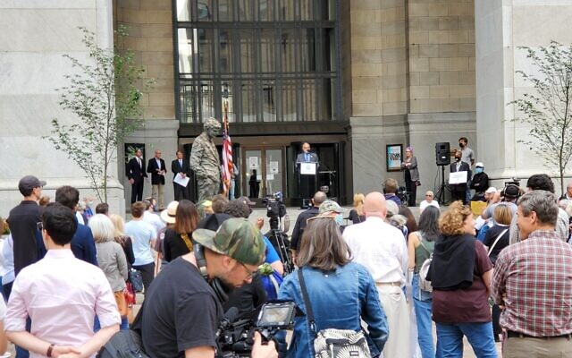 """More than 400 people attended the Jewish Federation of Greater Pittsburgh's """"Stand Against Antisemitism"""" rally at the City County Building. Photo by David Rullo."""