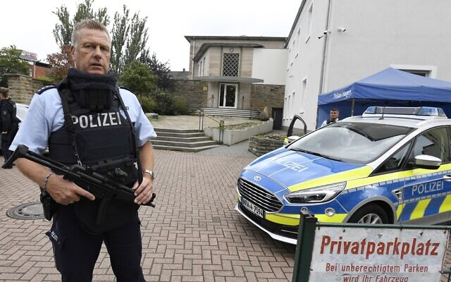 Police guard the synagogue of Hagen, Germany, Sept. 16, 2021. (Photo by Roberto Pfeil/picture alliance via Getty Images via JTA)