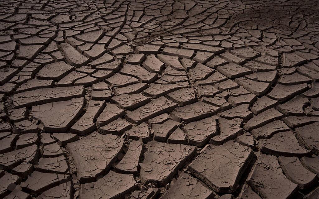 Dry soil in the Atacama Desert, the driest desert in the world, which has the highest levels of direct solar radiation on the planet. IMF Photo/Tamara Merino via flickr.com