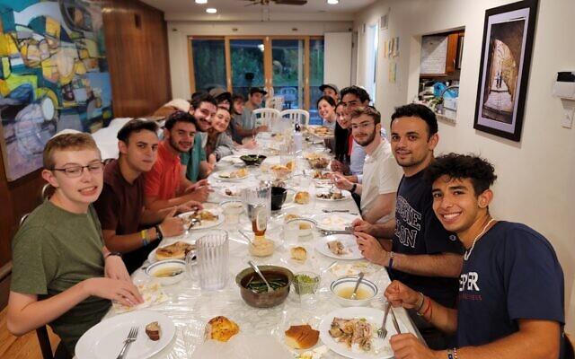Carnegie Mellon University students enjoy a meal at Chabad of CMU (Photo courtesy of Rabbi Shlomo Silverman)