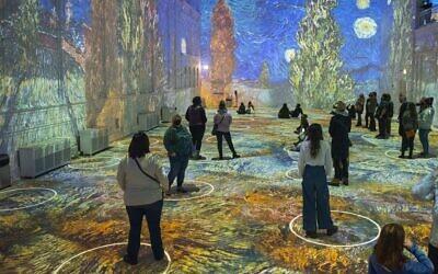 Original Immersive Van Gogh exhibit in Chicago (Photo by Michael Brosilow)