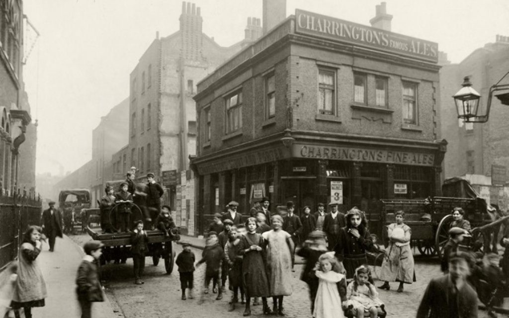 A view of Crispin St, looking towards Spitalfields Market and Dorset Street