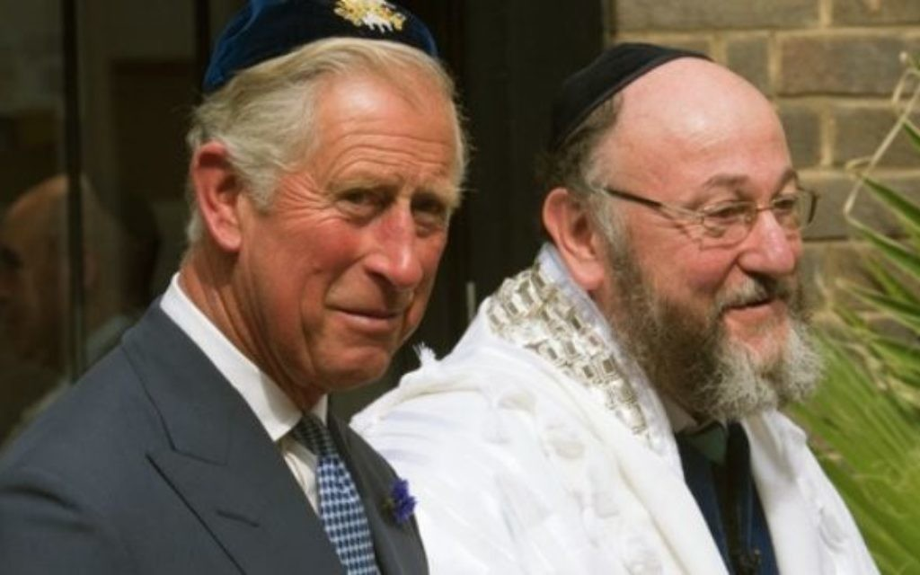 Prince Charles with Chief Rabbi Ephraim Mirvis.