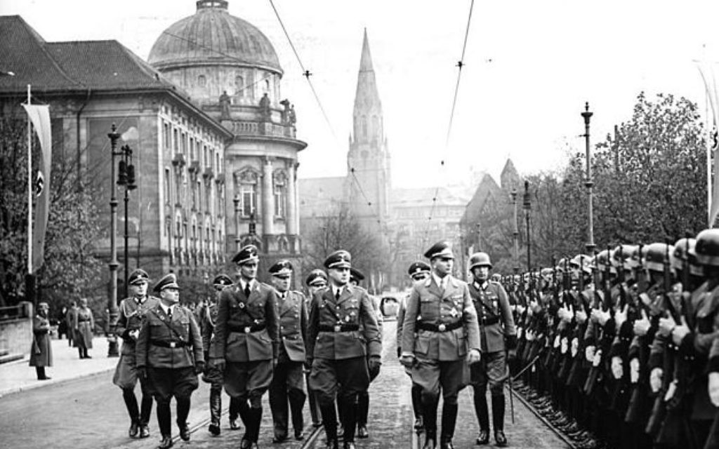 SS officers patrolling in 1939