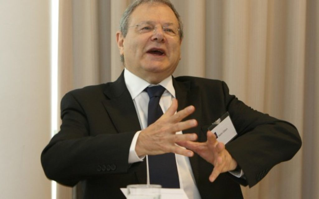 File photo dated 16/10/09 of Sir Martin Gilbert, a member of the Iraq Inquiry panel, who died last night, chairman Sir John Chilcot said today. PRESS ASSOCIATION Photo. Issue date: Wednesday February 4, 2015. See PA story POLITICS Iraq. Photo credit should read: Dave Thompson/PA Wire