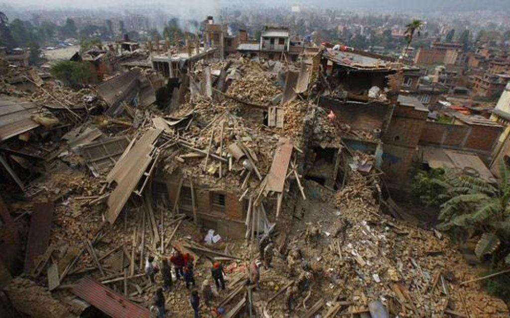 Nepal catastrophe (Credit: Israel News Flash on Twitter)