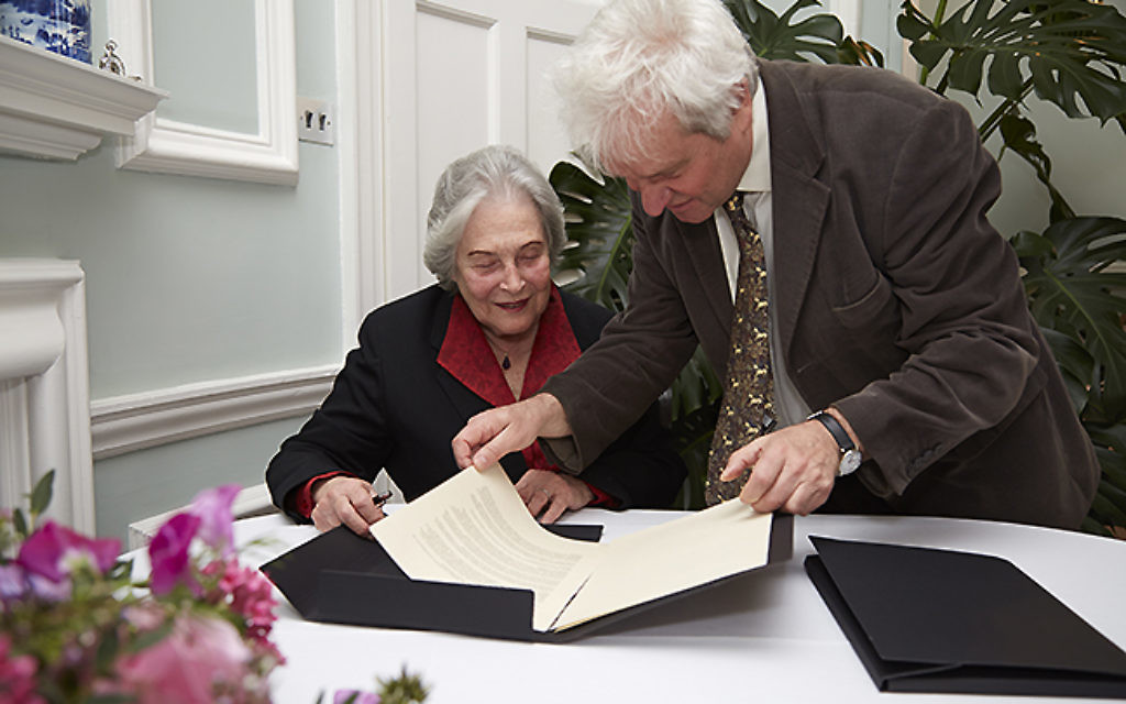 Sir Paul Nurse, President of the Royal Society, and Professor Ruth Arnon, President of the Israel Academy of Sciences and Humanities, signing the agreement on 16th of April