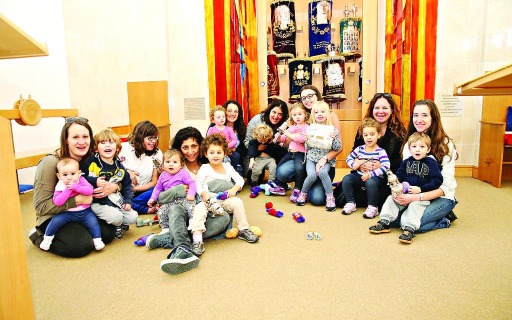 Children enjoy Kuddle-Up Shabbat at EDRS