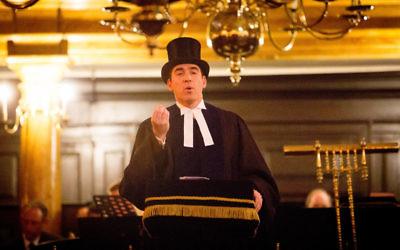 Rabbi Joseph Dwek addressing the guests (Credit: Blake Ezra)