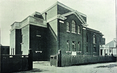 The exterior of Golders Green Synagogue in 1927.