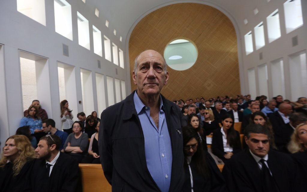 Olmert in court in 2015