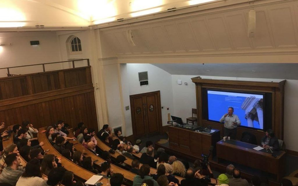 The packed lecture theatre listening to Col. Richard Kemp