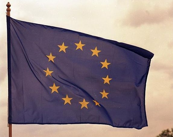europe-flag feature image