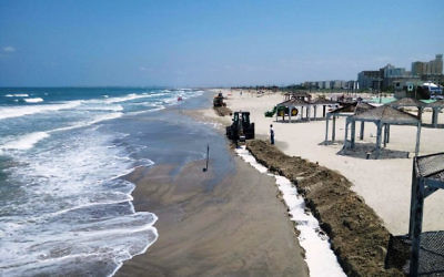 Residents have been urged to avoid area beaches,( Photo by: Israeli Environmental Protection Ministry /JINIPIX)