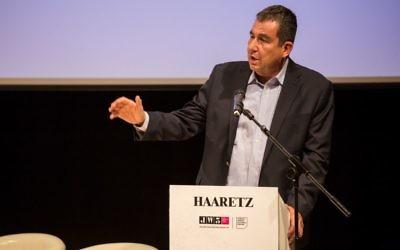 Ari Shavit speaking in London, July 2016  (photo credit: Shai Dolev)