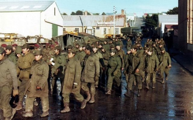 Argentine prisoners of war in Port Stanley.