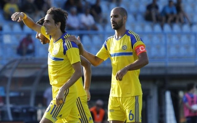 Yossi Benayoun netted another goal as Maccabi Tel Aviv cruised into the next round of the Europa League