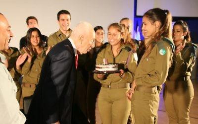 Shimon Peres celebrating his 93rd birthday