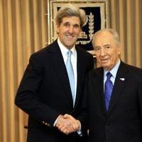 Shimon Peres with John Kerry