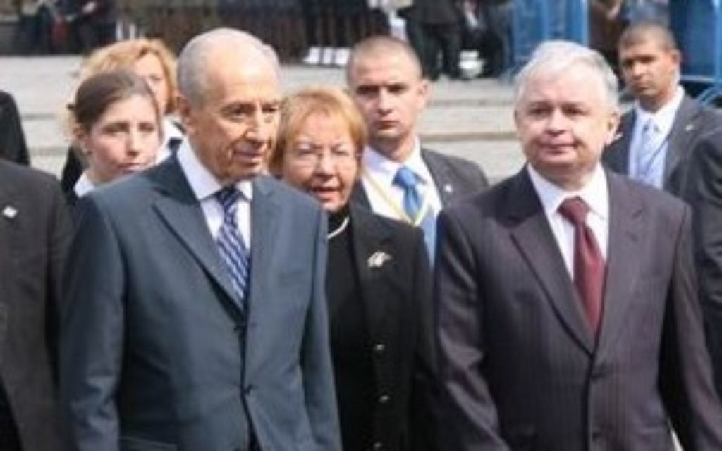 Peres at the 65th Anniversary of the Warsaw Ghetto Uprising ceremony with Polish president Lech Kaczyński