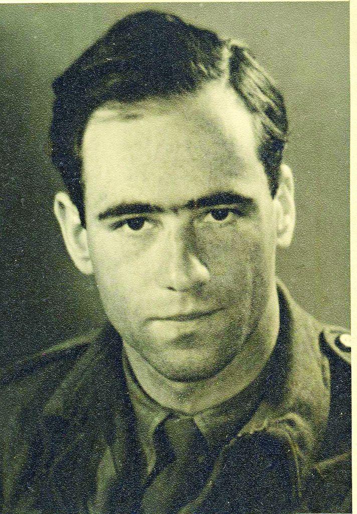 Fritz Lustig in uniform 1 001