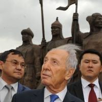 Shimon Peres in China