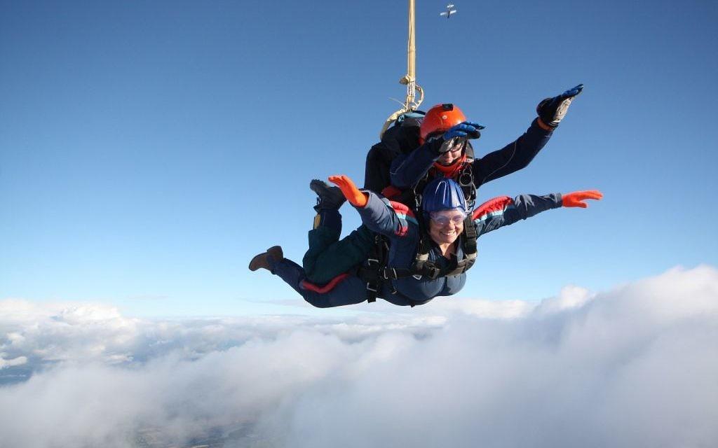 The skydiving rebbetzen!