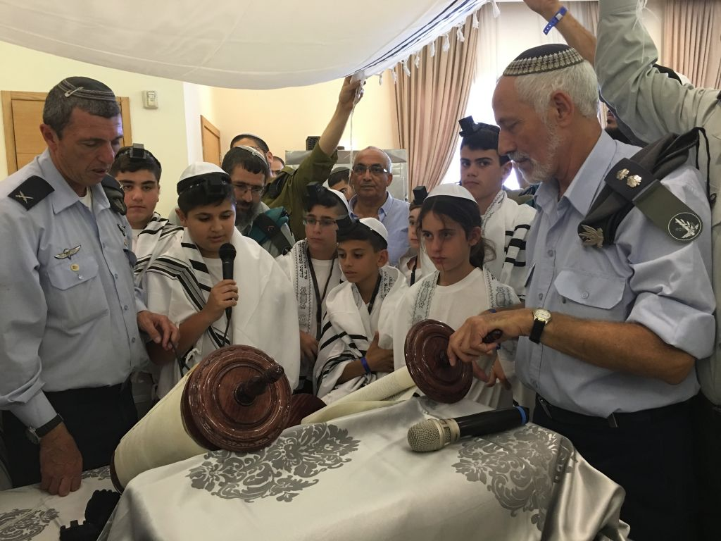 Being called up to the bimah to read from the Torah with the IDF chief rabbi brig gen Rafi Peretz