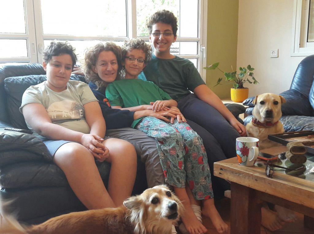 Lisa Bloom with children Oisin, Ely, Kai