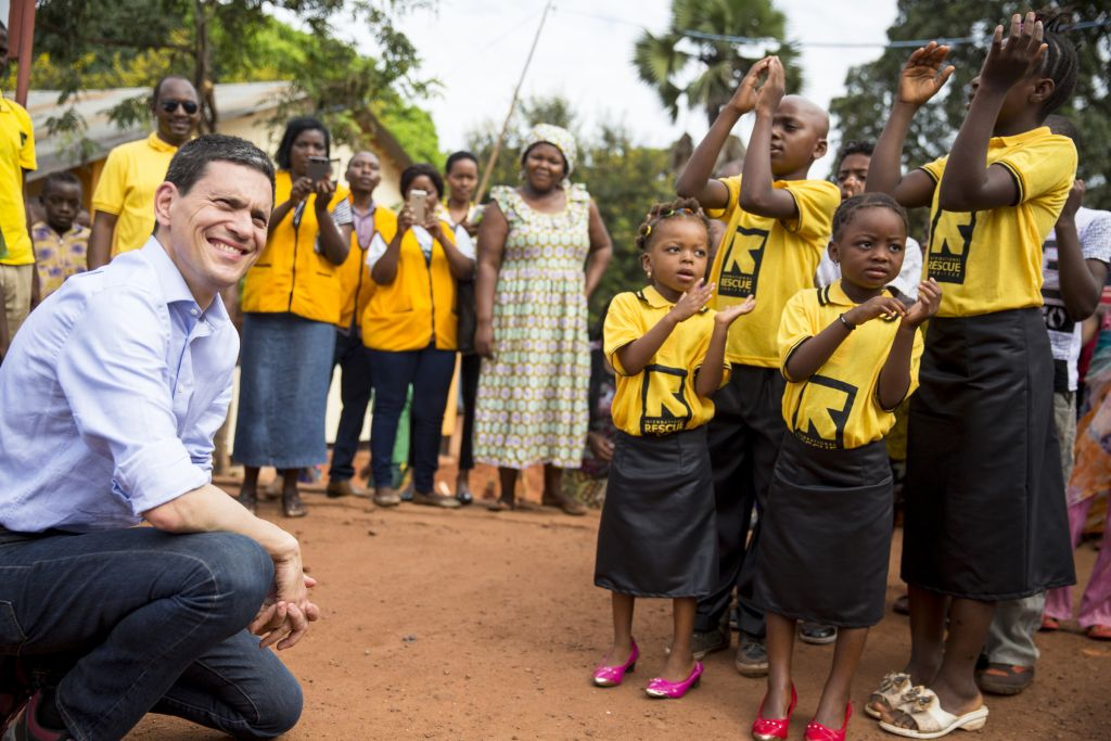 David Miliband is welcomed at the Kigoma transit center for Burundian and Congolese refugees in Tanzania. (Credit: IRC/Griff Tapper)